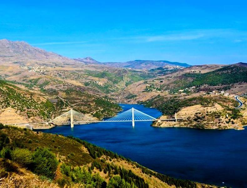 Le barrage de Béni Haroun-Mila.